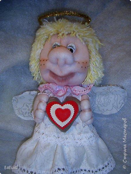 Всем привет и поздравления с праздником 8 Марта!  Очередная смена вида творчества- потянуло попробовать шить куклы из капрона. Впервые .  Перед вами мои первые результаты.  фото 2