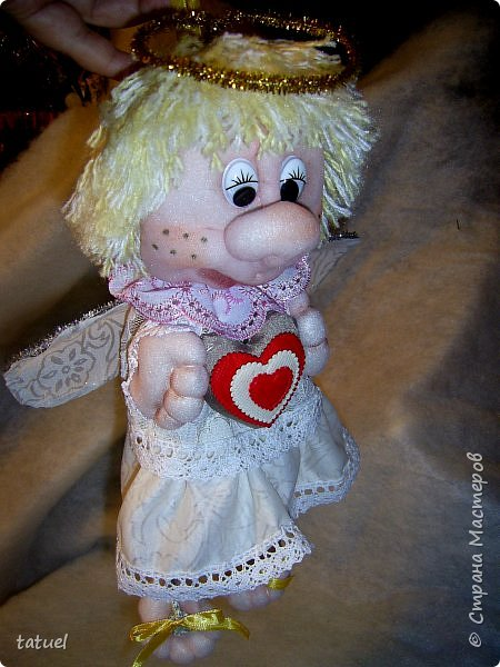 Всем привет и поздравления с праздником 8 Марта!  Очередная смена вида творчества- потянуло попробовать шить куклы из капрона. Впервые .  Перед вами мои первые результаты.  фото 1