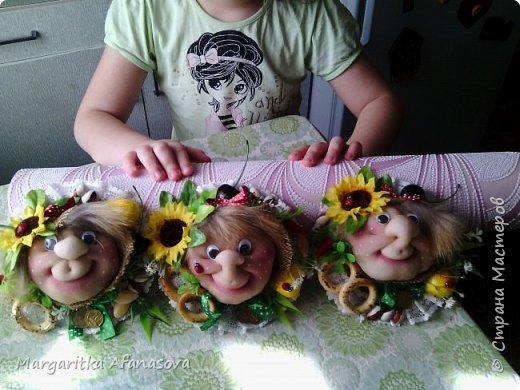 Девочки,поздравляем всех с праздником  8 марта!!!!!!!!!!!  Желаем счастья,здоровья,побольше улыбок и радости!!!!!!!!! И делимся с вами нашей с дочкой идеей подарков нашим мамам и бабушкам-магнитами на холодильник на скорую руку) может кому пригодится! фото 2