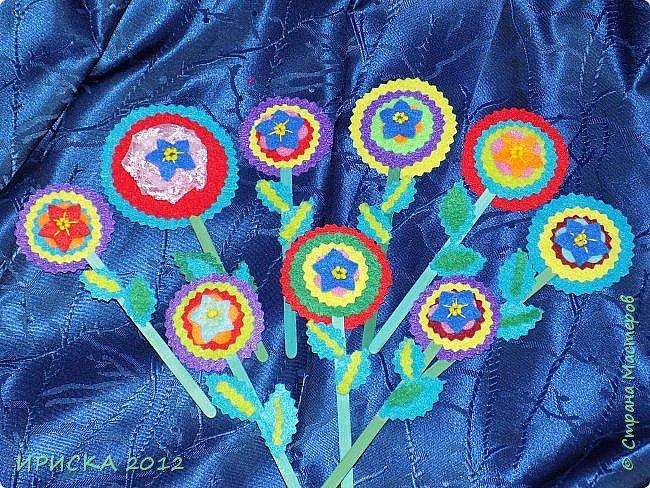 Девочек, девушек, мам и бабушек с весенним 8 марта поздравляю!!! Посмотрите за окошко, стало там теплей немножко. Главный праздник наступает, солнышко его встречает!!! Счастья, здоровья, любви, вдохновения и массы времени на творчество!!! И пусть Ваше творчество приносит удовольствие и благополучие!!! фото 23