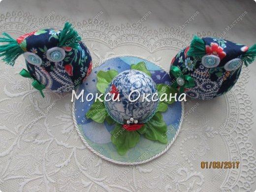 Идею яйца сделала по этому МК http://stranamasterov.ru/node/759740?c=favorite_1149 ,правда не много по своему.яйцо брала пластиковое. и ничем кроме журнальных страниц его не обклеивала. фото 3