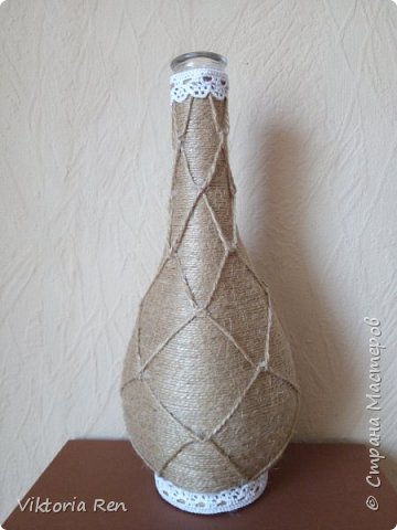 Бутылочка в шпагате