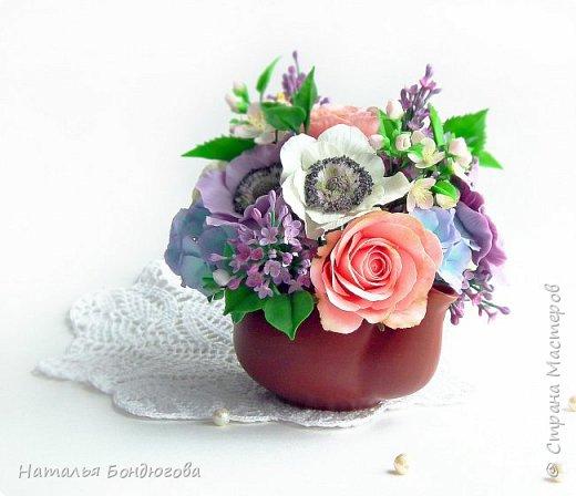 Цветочная композиция в чайнике, холодный фарфор. фото 1
