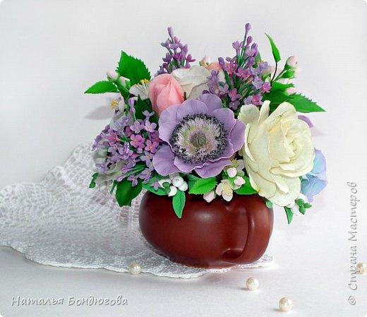 Цветочная композиция в чайнике, холодный фарфор. фото 3