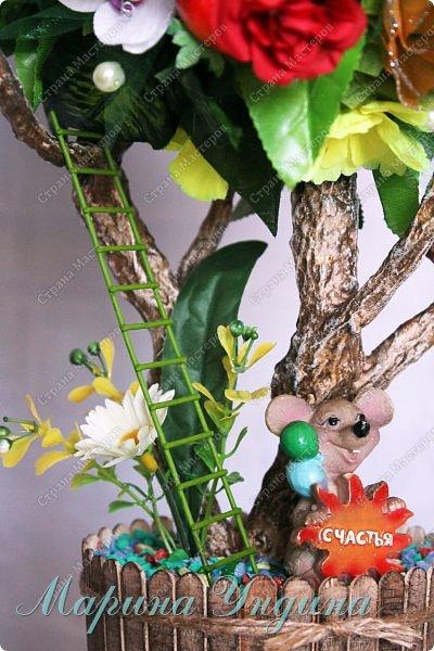Всем привет! Закончила я свое очередное дерево. Заказали на 8  марта. На этот раз решила сделать три кроны. Высота изделия 80 см. фото 17