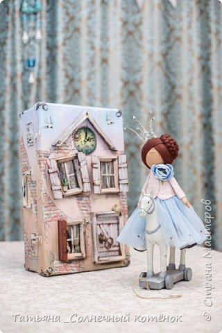 Текстильная куколка-принцесса Виктория фото 3
