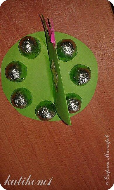 Вот такие  чашечки с конфетами сынуля сделал своим бабушкам фото 4