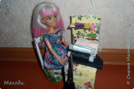 """Всем привет! Сегодня я представляю работу на конкурс """"Хобби и увлечение куклы"""" .Её представляет Элла. Э-сегодня я расскажу о моём увлечении.Я швея,очень люблю шить и вышивать узоры на одежде. фото 6"""