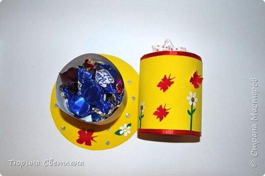 Вот и прошел долгожданный весенний праздник!!! Надеюсь он принес всем много позитива, подарков и отдыха!  Представляю какой был загруз перед 8 марта! А вот подарочки, которые успела смастерить я!  Сладкая шляпка, заполненная внутри конфетками. И кофейный котик!   фото 2