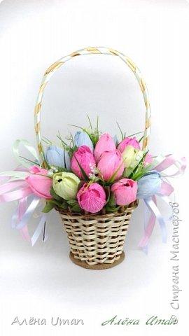 Здравствуйте!Всех поздравляю с началом весны,тепла!Всем хорошего настроения и творческих успехов!такую корзину я уже делала,правда тюльпаны были в ней другие,эти получились как я думаю лучше))) фото 1