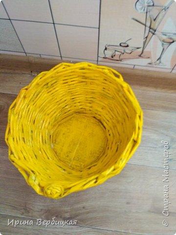 Задумка была сделать конфетницу, но получилось что-то другое то ли кашпо, то ли ваза, сама даже незнаю как назвать это.))))  фото 2