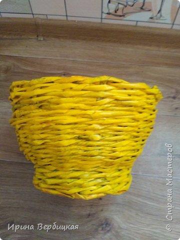 Задумка была сделать конфетницу, но получилось что-то другое то ли кашпо, то ли ваза, сама даже незнаю как назвать это.))))  фото 3