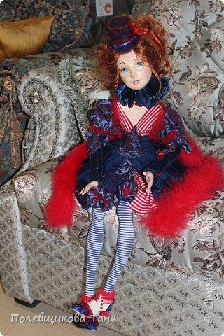 """Авторская будуарная кукла :""""Марина"""".  Единственный экземпляр. Ручная работа. Рост: 70см.  Материал: Паперклей, текстиль. Внутри тела- древесные опилки. Рост: 70см.  Нежная, изящная девочка. Самостоятельно сидит без подставки. Может менять позы. Самостоятельно держит ручки на весу. фото 6"""