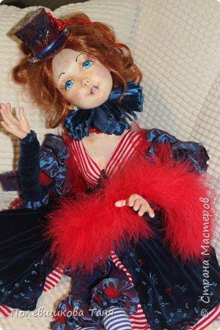 """Авторская будуарная кукла :""""Марина"""".  Единственный экземпляр. Ручная работа. Рост: 70см.  Материал: Паперклей, текстиль. Внутри тела- древесные опилки. Рост: 70см.  Нежная, изящная девочка. Самостоятельно сидит без подставки. Может менять позы. Самостоятельно держит ручки на весу. фото 9"""