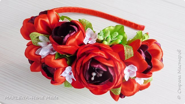 Ободок с красными цветами  фото 1