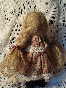 Добрый вечер всем!!!  Сегодня я к вам с необычными для меня работами!!! А именно куколкой и тильдочками!!!  Итак, куколка-большеножка (оказывается столько их разновидностей.... я выбрала такую...) За ее появление благодарю Наталья 16121983, ведь именно она прислала мне кусок кукольного трикотажа... И вот, вчера вечером присела за работу и сегодня получилась у меня от такое чудо... фото 7