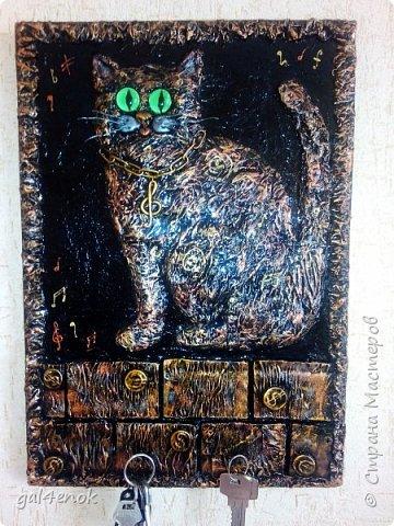 Добрый день. Вот такой подарок получился для учительницы по музыке. Это работа -повторюшка Valeri-создаю волшебные мечты handmade вот ссылка на её работы: http://stranamasterov.ru/node/908978?c=favorite  фото 4
