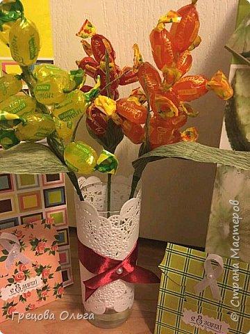 Тюльпаны с шоколадными конфетами, рафаэлки фото 2