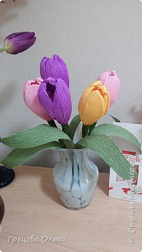 Тюльпаны с шоколадными конфетами, рафаэлки фото 1