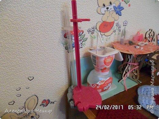 Привет всем! Сейчас я покажу вам комнату, где живут Браер, Дарлин и Лора.  фото 3