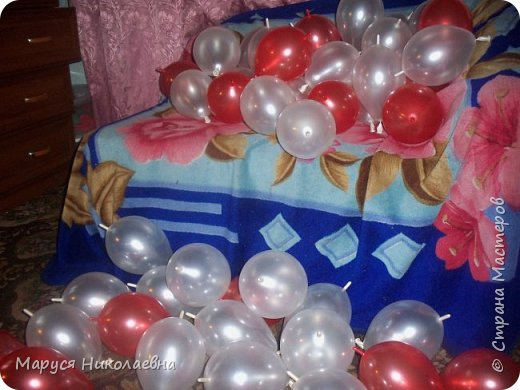 Открытками это назвать сложно, скорее - панно из воздушных шариков, которым можно эффектно поздравить с днём рождения. Это панно-открытка говорит само за себя: заказали на 35-ти летие молодой женщине. фото 5