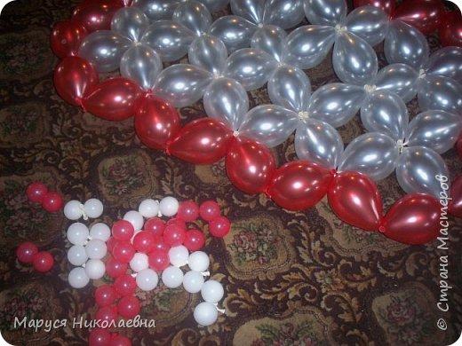 Открытками это назвать сложно, скорее - панно из воздушных шариков, которым можно эффектно поздравить с днём рождения. Это панно-открытка говорит само за себя: заказали на 35-ти летие молодой женщине. фото 8