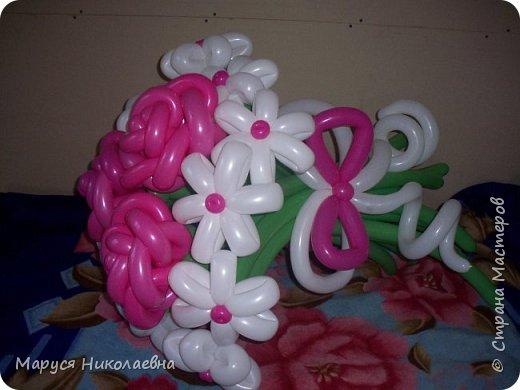 Покажу вам мои шарокрутики - цветочки. Здесь - только букеты из воздушных шаров. Все они сделаны в разное время, в основном на заказ. фото 2