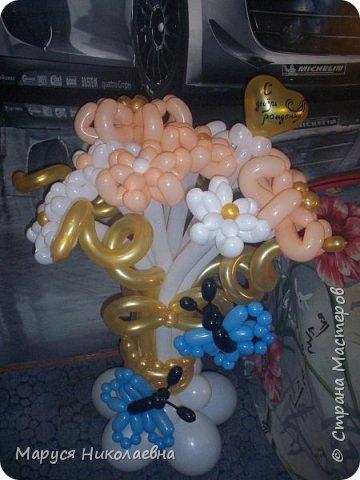 Покажу вам мои шарокрутики - цветочки. Здесь - только букеты из воздушных шаров. Все они сделаны в разное время, в основном на заказ. фото 12