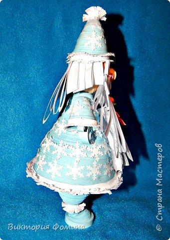 Доброго времени суток! Хочу представить игрушечку в технике квиллинг. Это Дед Мороз и его высота 17 см. Увидела мк этой фигурки у одной блогерши и не удержалась, чтоб не сделать и себе такого. А вот и ссылочка на мк http://quilling-life.com/kvilling-santa-klaus/ фото 2