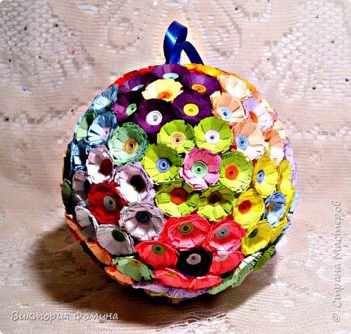 Доброго времени суток! Делюсь с вами моими цветочными шарами, которыми можно украсить и новогоднюю ёлочку и своё рабочее место, а и просто подарить близкому человеку. фото 1
