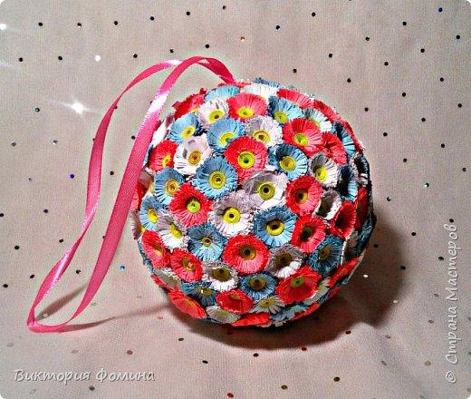 Доброго времени суток! Делюсь с вами моими цветочными шарами, которыми можно украсить и новогоднюю ёлочку и своё рабочее место, а и просто подарить близкому человеку. фото 3