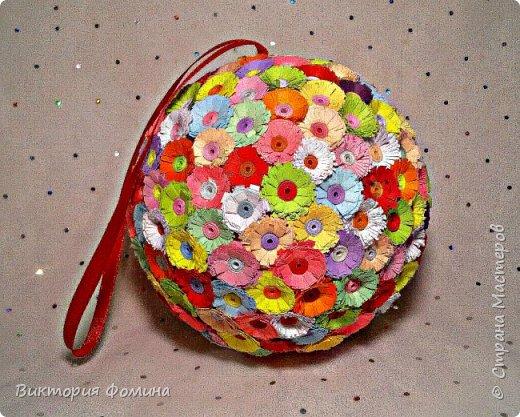 Доброго времени суток! Делюсь с вами моими цветочными шарами, которыми можно украсить и новогоднюю ёлочку и своё рабочее место, а и просто подарить близкому человеку. фото 4