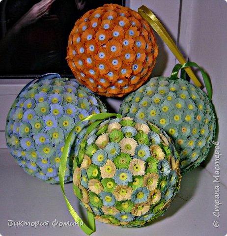 Доброго времени суток! Делюсь с вами моими цветочными шарами, которыми можно украсить и новогоднюю ёлочку и своё рабочее место, а и просто подарить близкому человеку. фото 7