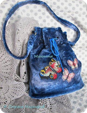Я уже вам хвалилась своей первой сумочкой из винтажного плюша http://stranamasterov.ru/node/1071503  Моя любовь к плюшу не прошла, а, наоборот, усилилась.  Кинула я клич и оказалось, что у народа в закромах остался еще советский винтаж.  Вот, в частности, таким плюшиком снабдила меня моя кума. Поэтому первая сумка из него будет ей и подарена завтра по случаю ДР фото 7