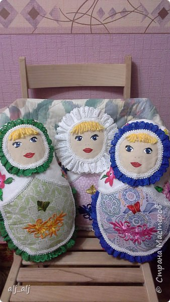Сшила этой зимой...все подарены сёстрам...одна уехала в Германию в город Халле к Люде, вторая в Казахстан в с.Новопокровка к Светланке, третья в п.Табуны к Верочке... фото 1