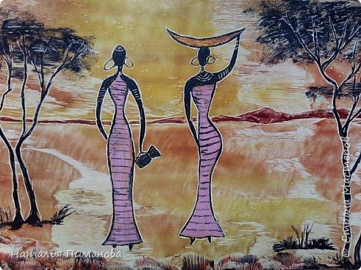 Африканские женщины...узнавать и рисовать их легко: изящная фигурка, черная кожа, большие серьги. Благодарная тема для утюга и воска. Размер картона А3. фото 1