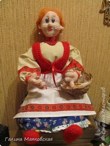 Привет всем! Появилась еще одна бабулечка-красотулечка Матрена. Рост 0,5 м, проволочный каркас. Сделана для компании деду http://stranamasterov.ru/node/1084375. фото 3