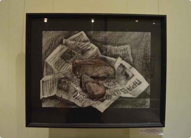"""Здравствуйте, дорогие друзья! В середине января в нашем выставочном зале открылись сразу четыре выставки, одна из которых была посвящена моим ёжикам (http://stranamasterov.ru/node/1079533), вторая - куклам советского периода (http://stranamasterov.ru/node/1079971), на третью выставку - """"Воркутинский вернисаж"""" я вас приглашаю прямо сейчас, а четвёртую оставлю на """"десерт"""" - это будет выставка ажурных яиц Людмилы Клёус. Так что самое интересное ещё впереди, а пока давайте полюбуемся работами наших воркутинских художников. фото 9"""