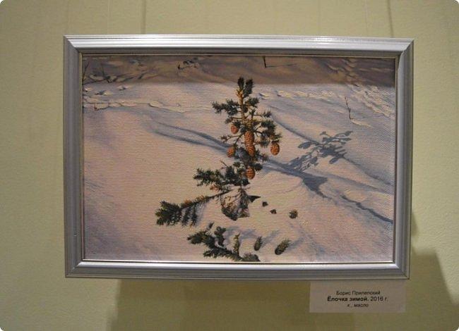"""Здравствуйте, дорогие друзья! В середине января в нашем выставочном зале открылись сразу четыре выставки, одна из которых была посвящена моим ёжикам (http://stranamasterov.ru/node/1079533), вторая - куклам советского периода (http://stranamasterov.ru/node/1079971), на третью выставку - """"Воркутинский вернисаж"""" я вас приглашаю прямо сейчас, а четвёртую оставлю на """"десерт"""" - это будет выставка ажурных яиц Людмилы Клёус. Так что самое интересное ещё впереди, а пока давайте полюбуемся работами наших воркутинских художников. фото 15"""