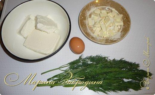 Тема сегодняшнего рецепта - как приготовить плавленый сыр в домашних условиях. Пишу базовую рецептуру, а вы уже потом сами можете добавлять по вкусу добавки (укроп, бекон, грибы, специи и т.д) чтобы разнообразить его вкус. Такой сыр можно намазывать на тосты. А готовится он очень быстро, буквально за 7-9 минут. фото 2