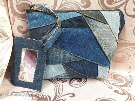 наша джинсовая коллекция !идея пришла в голову когда наша директор сделала конкурс на корпоратив,придумать что то интересное от каждого ателье!и вот мы с напарницей решили пошить из ненужных кусочков джинса,очень нужные в быту вещи! фото 4