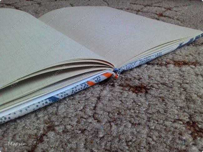 Привет, Страна Мастеров! Формат блокнота А5, 30 тетрадных листов, обложка тканная: хлопок, прошитая на швейной машинке. Блокнот сделала для себя для заметок. фото 4