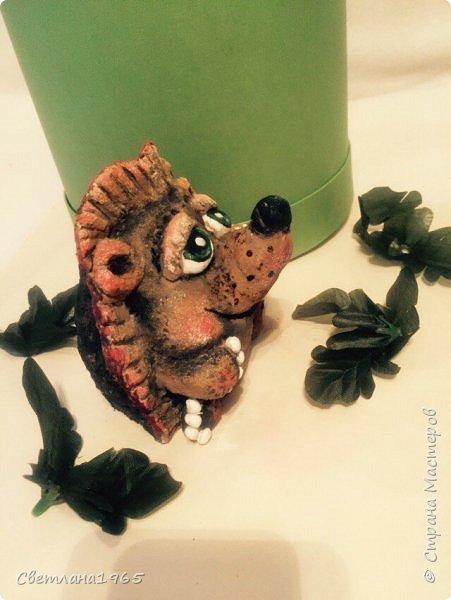 Здравствуйте!Ёжик слеплен из папье-маше,основа,обрезанная на треть баночка данон фото 4