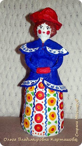 Дымковская барышня и Матрёшка, довольно больших размеров, появились в моей, пока ещё маленькой коллекции папье-машечных игрушек. фото 4