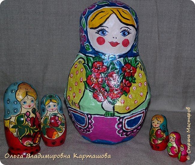 Дымковская барышня и Матрёшка, довольно больших размеров, появились в моей, пока ещё маленькой коллекции папье-машечных игрушек. фото 7