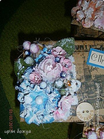 Вот такие коробочки  были сделаны по заказу мужа на 8 марта сотрудницам на работе. МК есть у меня в блоге. Здесь уже другая оберточная бумага- а ля Париж, хотя на ней видны купола церквей. фото 3