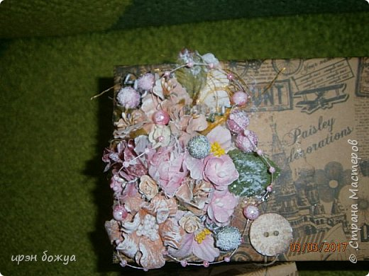 Вот такие коробочки  были сделаны по заказу мужа на 8 марта сотрудницам на работе. МК есть у меня в блоге. Здесь уже другая оберточная бумага- а ля Париж, хотя на ней видны купола церквей. фото 4