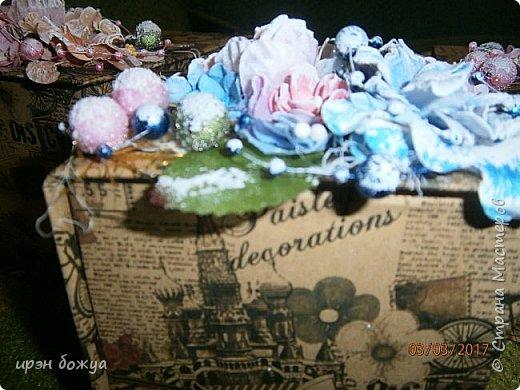 Вот такие коробочки  были сделаны по заказу мужа на 8 марта сотрудницам на работе. МК есть у меня в блоге. Здесь уже другая оберточная бумага- а ля Париж, хотя на ней видны купола церквей. фото 6