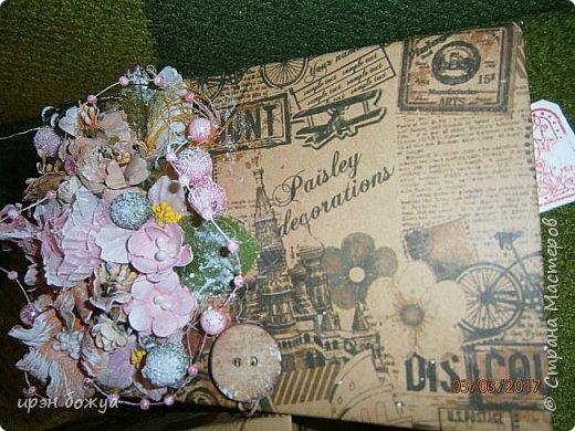 Вот такие коробочки  были сделаны по заказу мужа на 8 марта сотрудницам на работе. МК есть у меня в блоге. Здесь уже другая оберточная бумага- а ля Париж, хотя на ней видны купола церквей. фото 8