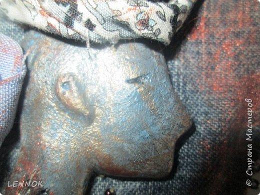Украшение из остатков джинсов и полимерной глины. Хотела научиться крутить розы а сшилось такое. фото 3